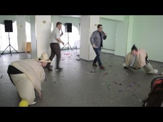 Непосредственно то, для чего их нарядили - борьба за шары)
