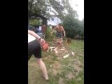 Как правильно рубить дрова.Отдыхаем :D