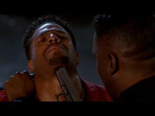 Отрывок из фильма «Не грози Южному централу, попивая сок у себя в квартале» Чёрный полицейский,который ненавидит черных