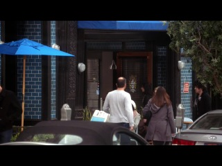 Не верь суке из квартиры 23 \ Don't Trust the B- in Apartment 23 (сезон 1, серия 5)