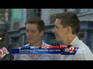 Diagon Alley- Fred and George Weasley actors talk about 'Escape from Gringotts' attraction