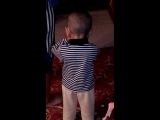 азан Исмаила, ему 2 года