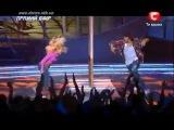 классный танец парня и девушки под песню  Eminem – Love the Way You Lie (feat. Rihanna)