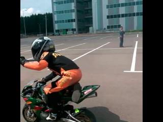 Слабо? Трюки на мотоцикле (ребенок 5 лет) Часть 2