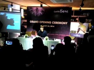 Lee Jong Suk  [24.08.14]   Caffe Bene grand opening, Vietnam [2]