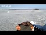 Клюет хоть Мужик уснул на льду))))))))))