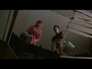 Фильм - The Money Pit. В главной роли - Том Хэнкс.