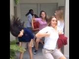 Lele Pons|Как танцуют крутые девчонки VS. Как танцуют мои друзья и я