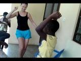 Deti uchat menja afrikanskim tancam!