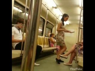 A que me ripeo en el metro jajaja _20140606_104923