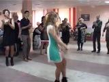 Зажигательный танец русской красавицы на свадьбе