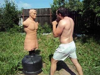 Герман отправил меня в нокдаун))) ,     (спортивные приколы ) , (падения,неудачи) (отработка ударов на манекене  Century Bob-Box XL ), (мотивация 2013-2014 ),  (лучшие бои,нокауты ) (бокс,кикбоксинг,тэквандо,муай тай,каратэ ) (мма,к1 )))