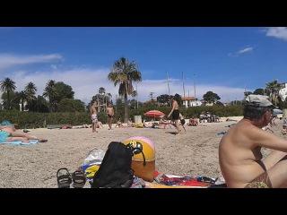 Порни на пляжи и голый мальчик