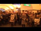 Флешмоб Победы в метро Невский проспект 9 мая (Хор Русской Армии)