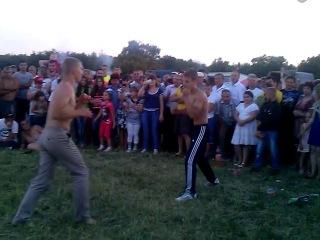 Традиционные Кулачные бои на Троицу, Линевский луг, Белинский р-н. Пензенская область.