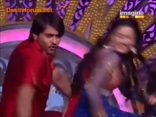 Ашиш Шарма и Танви Бхатия - выступление на танцевальном шоу
