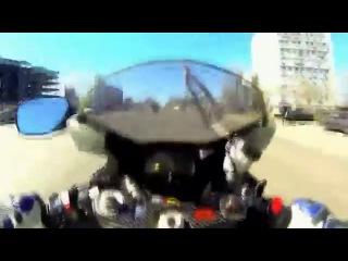 16-ти летний парниша закрывает сезон на мотоцикле