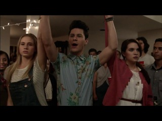 Premiere Trailer | Faking It | Season 1 | MTV (перевод) (prettylittleliars_ru)