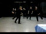 Сцен. движение. Черный кот.