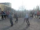 Наши импровизировали на уличных танцах по хип-хопу,хотят быть танцорами)