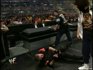 Vince McMahon vs Shane McMahon - Wrestlemania X-Seven (Mick Foley as referee)