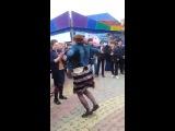 Чеченки танцуют лезгинку - [Веселые Кавказцы]