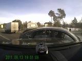 Водитель Audi пытался уйти от преследования полиции и вылетел на встречную полосу