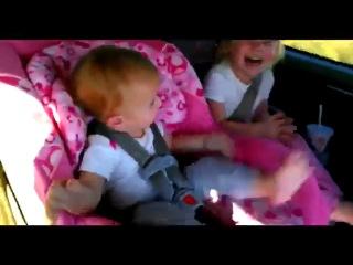 Реакция детей на музыку опа гангам стайл