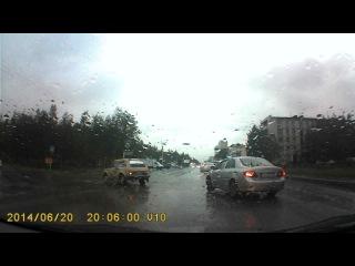 2014.06.20 - поворот с правого ряда налево