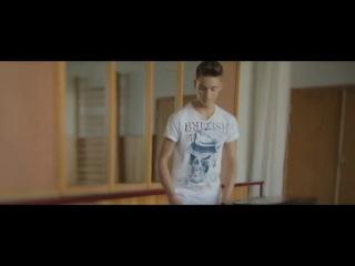 Алексей Воробьёв и Френды - Она верит новостям на первом каналеи что в жди меня находят тех кого искали