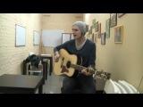 парень классно поет,красивый голос,классно спел,талант,шикарный голос,играет классно на гитаре,парень молодец