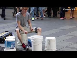 Лучший в мире уличный барабанщик