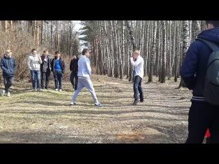 Дикая драка школьников с ножами 5 на 5 в Маяковском лесу. Звенигород