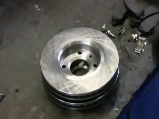 Замена тормозных колодок и дисков в Peugeot 307 (Пежо 307)