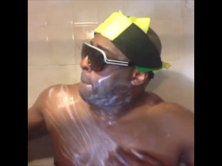 [comedian chris] rich white person taking a shower vs. jamaicans taking a shower.