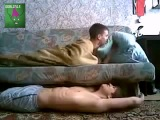 Самый лучший прикол над спящим другом!!! Смешно до слёз!!!!!