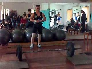 Поштовх 1) спроба 110 кг 2) спроба 115 кг 3) спроба 118 кг.