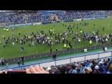 Зенит 2 - 4 Динамо (Москва): Фанаты сорвали матч!!!