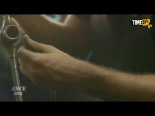 Скрытый клинок Ассасина и пиратская сабля! - Оружейный Мастер - Man At Arms на русском!