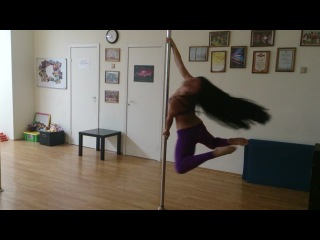 Pole dance. Танец у шеста. Богомолова Анастасия. Крутки на пилоне, импровизация, на тренировке