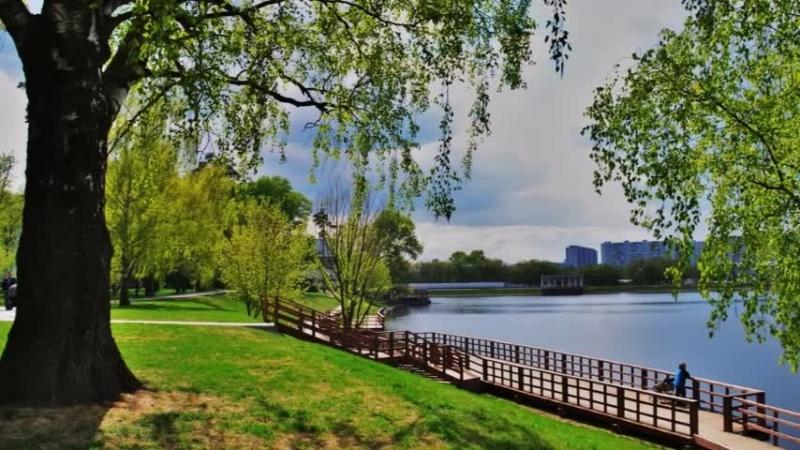 Джамгаровский парк и пруд