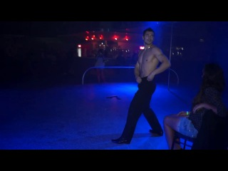 Мужской стриптиз Спартак в ночном клубе Веселые Титьки