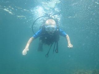 Погружение Влада с аквалангом