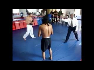 ВИН ЧУНЬ против каратэ бокса муай тай кикбоксинга