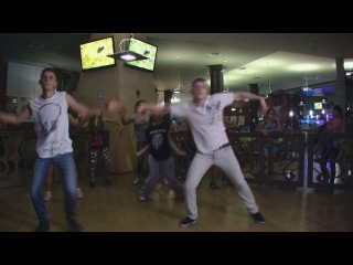 Dance Central 3 - Hello, Good Morning