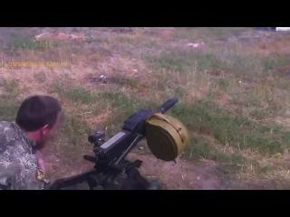 В мережі з'явилося відео, на якому бойовик Моторола обстрілює своїх «колег»