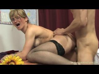 Выебал новую учительницу после уроков русское порно видео фото 375-929