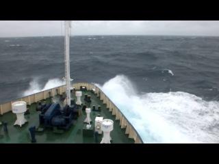 Берингово море. Шторм 6 баллов )