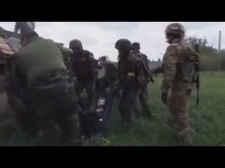Украина.АТО. Азов. Донбас-1.нац. гвардия. Правый сектор.Кто не скачет тот москаль! Москалей на ножи на ножи. Мама приезжай, и меня забери!