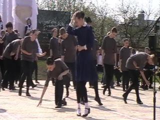 гос.экзамен НОКК -открытие памятника Тане Савичевой